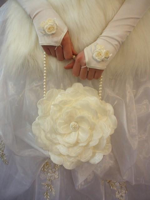 Цветы из ткани ручной работы.